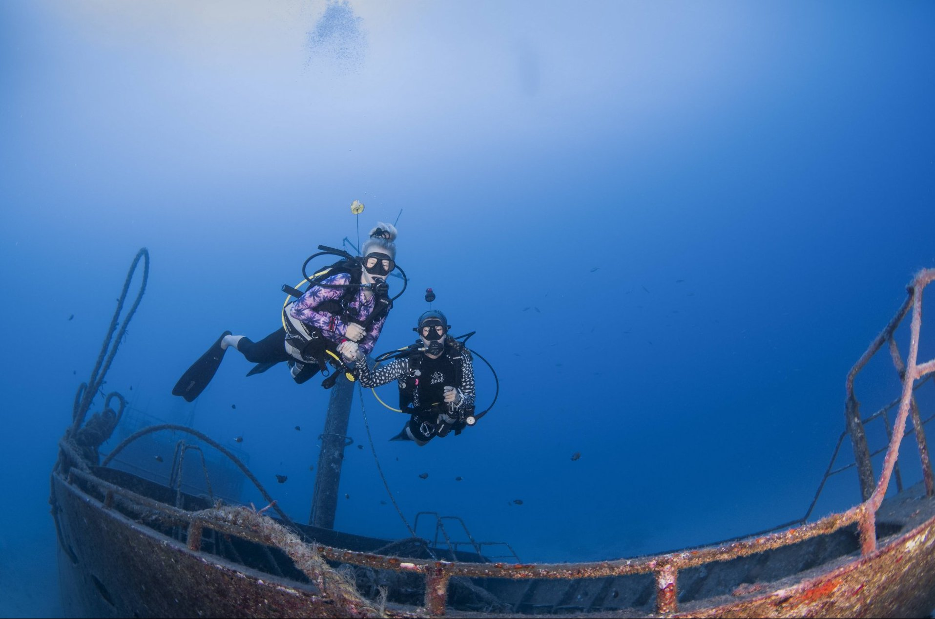 Shipwreck diving, girls that tec dive, two generation, mum and daughter