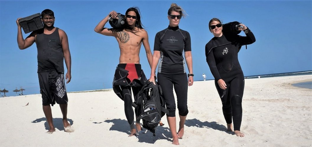 a typical day at SeaUrchin Divers in Mauritius Flic en Flac, west coast