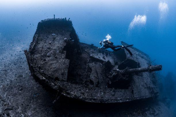 Wrack tauchen auf Mauritius SeaUrchin Diving Center